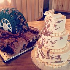 Tire Mud Splattered Wedding and Grooms Cake / 2tarts Bakery / New Braunfels, TX / www.2tarts.com Fall Wedding, Rustic Wedding, Our Wedding, Dream Wedding, Wedding Ideas, Cupcakes Design, Motorcycle Cake, 21st Cake, Country Wedding Cakes