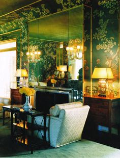 Countess Dorothy di Frasso's home: antique chinoiserie villa decorated by Elsie de Wolfe Green Wall Mirrors, Green Wall Decor, Elsie De Wolfe, Living Room Green, Living Room Decor, Living Spaces, Green Rooms, Green Walls, Dining Room