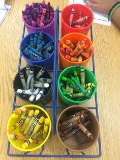 Kindergarten organization - color coded crayon bin