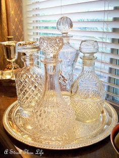 I need a circular tray for my decanter set
