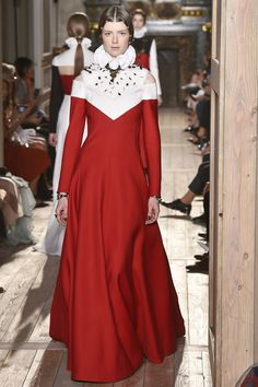 All the Looks from the Valentino Fall 2016 Couture Collection