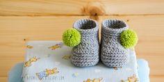 Airali design. Where is the Wonderland? Crochet, knit and amigurumi.: Stivaletti e pompom
