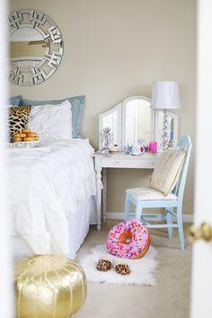 Night Owl, White Pintuck Duvet Cover, Haute Off The Rack, Louisiana Fashion Blogger, Home Decor, White Bedding, How to sleep better, Crane & Canopy