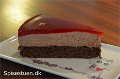 chokoladekage-med-chokolademousse-og-hindbærgele