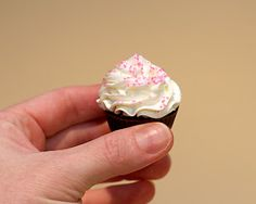 Jessicakes: Cake Ball Cupcakes
