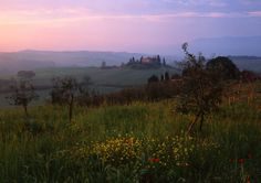 The movie lover's guide to Tuscany. Gladiator: Russell Crowe descended upon the countryside surrounding Siena to shoot some of the film's key scenes including where he returns home too late to save his family. The dream scenes were also filmed in Tuscany, where the iconic rolling hills and green landscape of Val d'Orcia were considered director Ridley Scott's perfect place to recreate a dreamlike paradise.
