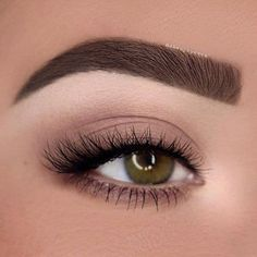 Eye makeup is able to complement your natural beauty and also make you look and feel magnificent. Find out the way to use make-up so that you can show off your eyes and impress. Learn the very best ideas for applying make-up to your eyes. Natural Eye Makeup, Eye Makeup Tips, Mac Makeup, Prom Makeup, Makeup Inspo, Wedding Makeup, Beauty Makeup, Makeup Ideas, Natural Eyeshadow Looks