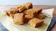 Ginger and coconut flapjacks - easy to make chewy oat bars flavoured with ginger and coconut. The perfect energy boosting sweet treat. Baking Tins, Baking Recipes, Cookie Recipes, Baking Ideas, Easy Recipes, Golden Syrup Flapjacks, Great British Food, Quick Cookies, Christmas Deserts