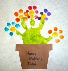 45 Awesome Mothers Day Crafts For Kids Ideas Getting the kids to help select the right Mother's Day gift is one approach to go, however everyone knows handmade items imply so much more. Kids Crafts, Crafts To Do, Projects For Kids, Arts And Crafts, Toddler Crafts, Mothers Day Crafts For Kids, Art Projects, Spring Crafts, Holiday Crafts