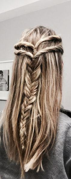 Half up hairdo with fishtail braid #fishtail #braids