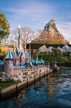 In this post, we rank the best Disneyland and Disney California Adventure attractions, narrowing the list to the 10 best from the two parks. Narrowing it t Disneyland Rides, Vintage Disneyland, Disneyland Resort, Disneyland 2017, Disney Rides, Disney Tourist Blog, Disney Parks, Walt Disney World, Disney California Adventure