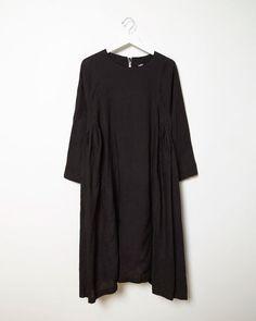 COMME DES GARÇONS COMME DES GARÇONS | Gathered Linen Panel Dress | La Garçonne