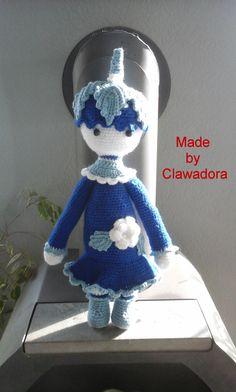 Blaue Elfe, gehäkelt von Clawadora, nach einer Anleitung von Lalylala Paul