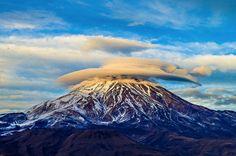 Nori peste muntele Damavand