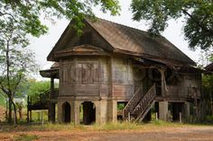 abandoned -- house? church?  No idea where this lovely place is located -- the curse of Tumblr is the lack of citation of original information.  Looks Eastern European to me.