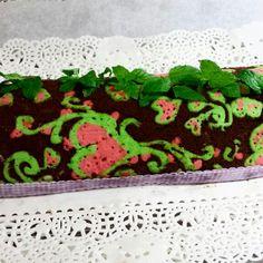 Tronchetto decorato al cioccolato fondente