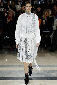 2016春夏プレタポルテコレクション - サカイ(SACAI)ランウェイ|コレクション(ファッションショー)|VOGUE JAPAN