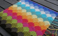sunset and blue sky cushion front | Flickr - Photo Sharing! Tapestry crochet by Loretta Grayson.  She has the best sense of color.