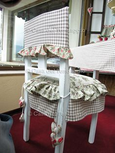 rivestire ceste - Cerca con Google Chair Covers, Table Covers, Shabby Vintage, Shabby Chic, Diy Home Decor, Room Decor, French Country Decorating, Chair Cushions, Slipcovers