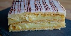 The mille-feuille is a traditional French pastry that can be found in any bakery in France. What is the mille-feuille and how is it decorated? Chocolate Line, Chocolate Fondant, French Pastries, Cheesecakes, Vanilla Cake, Bakery, Deserts, Dessert Recipes, Food And Drink