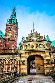 Frederiksborg Slot Royal Palace Hillerod Denmark   Flickr - Photo Sharing!