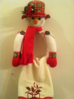 nieve tohallero Christmas Towels, Christmas Sewing, Christmas Fabric, Christmas Stockings, Christmas Crafts, Xmas, Christmas Ornaments, Towel Dress, Snowman Crafts