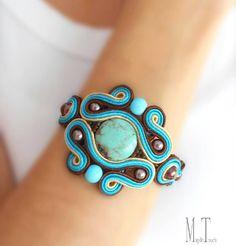Zobacz na Instagramie zdjęcie użytkownika @magdo.touch • Polubienia: 35 Soutache Bracelet, Soutache Jewelry, Bohemian Style, Boho Chic, Bohemian Bracelets, Beaded Embroidery, Turquoise Bracelet, Jewerly, Polymer Clay