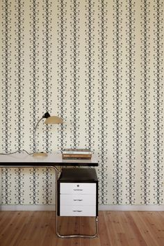 Bodoni wallpaper: No. 3 in off white and grey  Distributed by www.trestintas.com