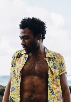 Donald Glover aka Childish Gambino has always had a special place in my heart, his music is just plain chill and original! Donald Glover, Danny Glover, Beautiful Men, Beautiful People, Don G, Childish Gambino, Afro Punk, Attractive People, Celebrity Crush