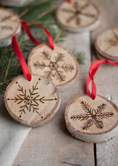 Snowflakes and Snowflakes-Beautiful Christmas Tree Ornaments- Wood Slices . - Snow stars and snowflakes-beautiful Christmas tree ornaments- craft wooden discs with red bows - Easy To Make Christmas Ornaments, Homemade Ornaments, Christmas Ornaments To Make, Homemade Christmas, Christmas Projects, Christmas Crafts, Christmas Decorations, Wood Ornaments, Snowflake Ornaments