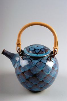 Untitled teapot, purchased in Penland, North Carolina; stoneware, ash over tenmoku, cone gas; Gift of American Ceramic Society Collection Pottery Teapots, Ceramic Teapots, Ceramic Pottery, Pottery Art, Ceramic Art, Kintsugi, Teapots Unique, Teapots And Cups, Chocolate Pots