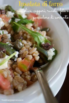 Italian Food ~ ~ Farro salad with olives, capers, arugula, feta and tomato sorrento Veggie Recipes, Salad Recipes, Vegetarian Recipes, Cooking Recipes, Healthy Recipes, Cold Meals, Spring Recipes, Fruit And Veg, Cooking Light