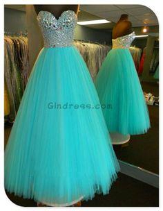 Love this dress!! :)