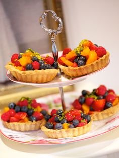 Früchte-Tartelettes I © GUSTO / Helmut Mitter I www.gusto.at Yummy Recipes, Yummy Food, Kids Meals, Waffles, Breakfast, Pies, Kuchen, Play Dough, Waffle