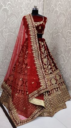 Sarees online shopping and check latest collection in wedding lehenga choli at india's best online shopping store. Order this magnetic embroidered work designer lehenga choli Wedding Lehenga Designs, Designer Bridal Lehenga, Indian Bridal Lehenga, Indian Bridal Outfits, Indian Bridal Fashion, Indian Gowns Dresses, Indian Fashion Dresses, Pakistani Dresses, Latest Bridal Dresses