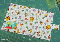 Porta documentos bebé Baby Bumps, Pot Holders, Kids, Notebooks, Wallets, Cape Clothing, Books, Baby Sewing, Nice