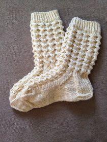 Näitä ihania pitsisukkia olen tehnyt vaikka kuinka monet jo, mutta tässä nyt ensimmäinen pari joka päätyy blogiin asti - ohjeen kera to... Crochet Socks, Knitting Socks, Hand Knitting, Knitted Hats, Knit Crochet, Mitten Gloves, Mittens, Knitting Patterns, Crafts
