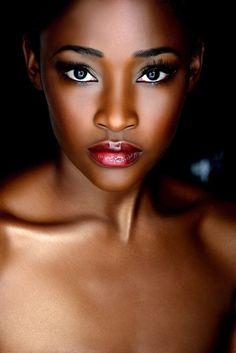 Inspirações de maquiagem para a pele negra