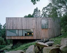 Rock the Shack: the Architecture of Cabins, Cocoons and Hide-Outs by Gestalten | Yatzer. Little Big House by Room 11 in Tasmania, Australia, from the book Rock the Shack. Photography: Ben Hosking. Copyright Gestalten 2013.