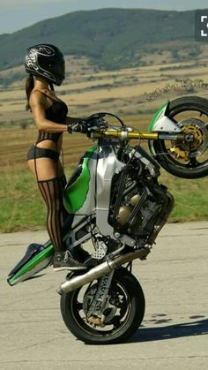 getitsupercheap.com Girl Bike, Motorbike Girl, Motorcycle Girls, Girls On Bikes, Motorbikes Women, Stunt Bike, Bikers, Scooters, Lady Biker