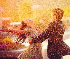 Can I Have This Dance? (Zac Efron and Vanessa Hudgens, High School Musical) High School Musical 3, Rain Dance, Ballet Dance, Singing In The Rain, Learn To Dance, Favim, Hopeless Romantic, Romantic Dance, Rainy Days