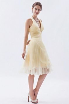 Buy champagne halter ruched 15 dresses for damas in knee length from cute dama dresses collection, halter top neckline a line in yellow light yellow color,cheap organza dress with zipper back and for sweet 16 quinceanera wedding party . Junior Cocktail Dresses, Cocktail Bridesmaid Dresses, Cocktail Gowns, Short Bridesmaid Dresses, Junior Dresses, Bridesmaids, Dama Dresses, Quinceanera Dresses, 15 Dresses