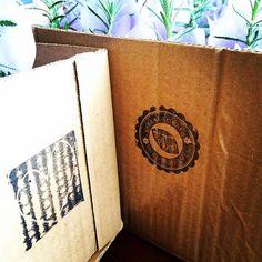 Nossas caixas de entrega são reutilizadas e reutilizáveis! É muito amor pelo planeta sendo espalhado por aí! ❤️ #lepetitvert #lejardin #muitoamor #feitoamao #cultiveoamor #reciclado #lembrancinhas #lembrancinhasecologicas #lembrancinhaecochic #blogcarlavilhena #carlavilhena