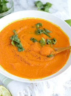 This Curried Ginger Carrot Soup can be ready in under 30 minutes, requires just 6 simple ingredients and is low in fat and carbs but full of flavour.