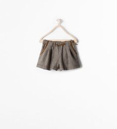 POCKET DETAIL BELTED SHORTS