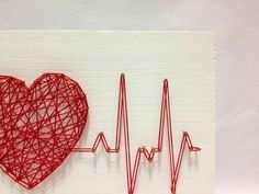 String Art Rhythm Heart Beat Sign Wall Art Decor Beat heart beat art chain shows wall by OneRoots on Etsy String Art Diy, String Crafts, String Art Heart, Diy And Crafts, Arts And Crafts, Art Crafts, String Art Patterns, String Art Tutorials, Creation Deco