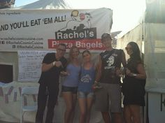VeganFatKid, Claire, Rachel, & friends enjoying #rachelspizzabagels!  #veganpizza #pizza #veganoktoberfest