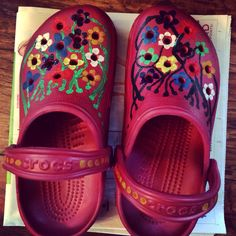 Painted crocs! Use oil paint!  DIY Crocs