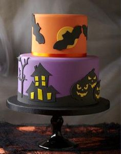simple but cute Bolo Halloween, Halloween Birthday Cakes, Theme Halloween, Halloween Baking, Halloween Desserts, Halloween Cupcakes, Cute Halloween, Holidays Halloween, Halloween Treats