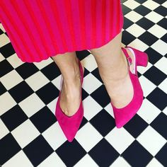 Style can be comfortable! Shop our best selling 'Alessia' sling-back designed for bunions, wide feet and a host of other foot problems. Available in a range of colours you won't able to resist! Best Shoes For Bunions, Court Heels, Wide Feet, Comfortable Shoes, Block Heels, Hot Pink, Range, Colours, Stylish